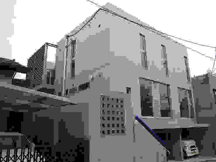 ギャラリーのある二世帯住宅 モダンな 家 の 三浦尚人建築設計工房 モダン