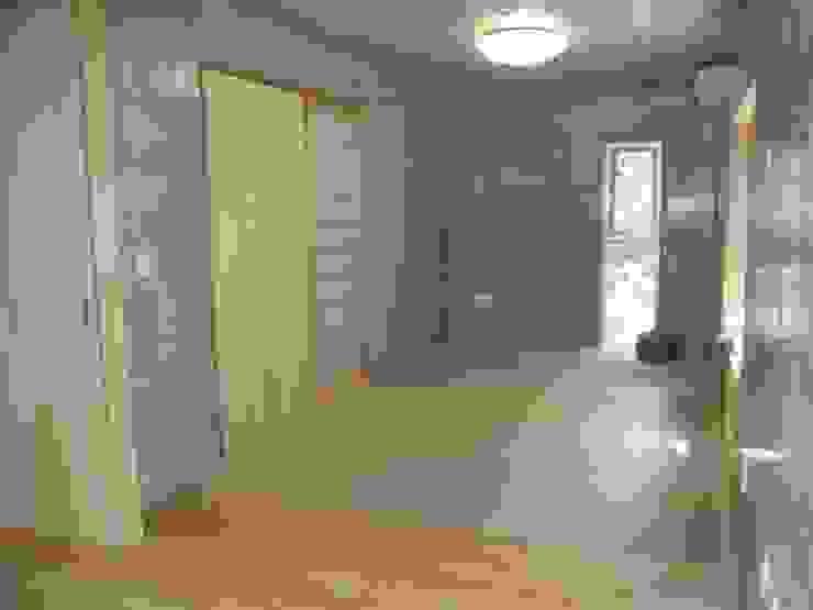 ギャラリーのある二世帯住宅 モダンデザインの 多目的室 の 三浦尚人建築設計工房 モダン