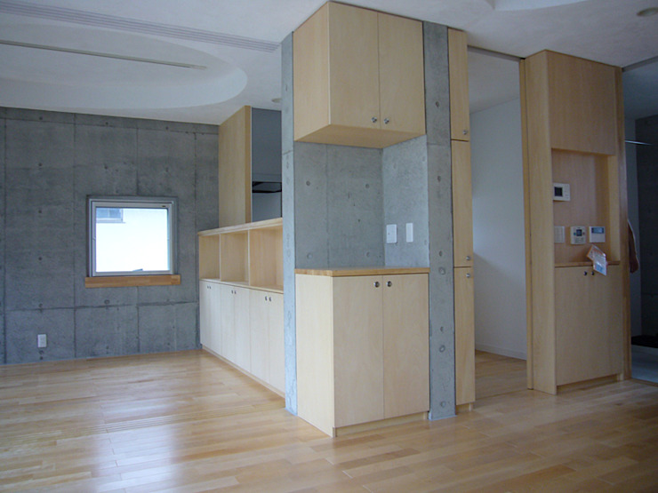 ギャラリーのある二世帯住宅 モダンデザインの ダイニング の 三浦尚人建築設計工房 モダン