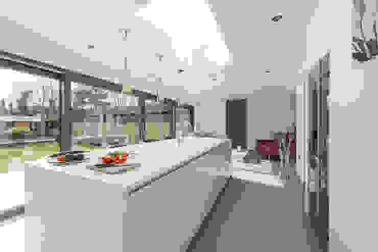 Mr & Mrs Smith Diane Berry Kitchens Cozinhas modernas