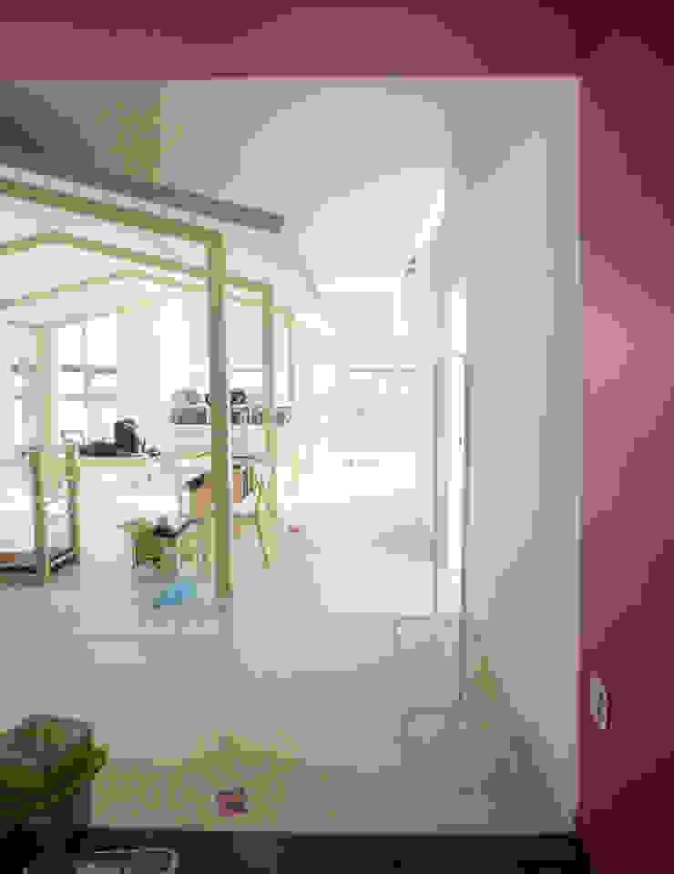 House in House _필라테스 스튜디오 모던스타일 피트니스 룸 by 지오아키텍처 모던
