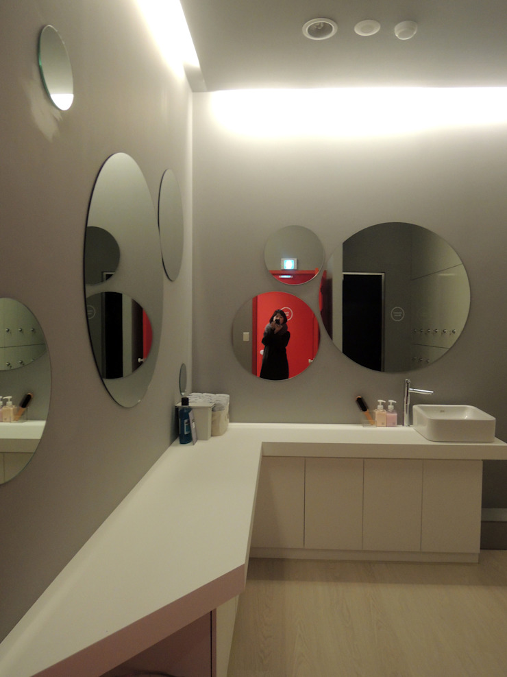 House in House _필라테스 스튜디오 모던스타일 욕실 by 지오아키텍처 모던