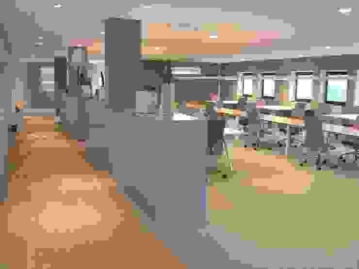 kantoorinrichting Moderne kantoorgebouwen van Firma 400 Modern