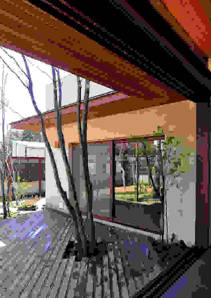 用賀の住宅 和風デザインの テラス の 井上洋介建築研究所 和風