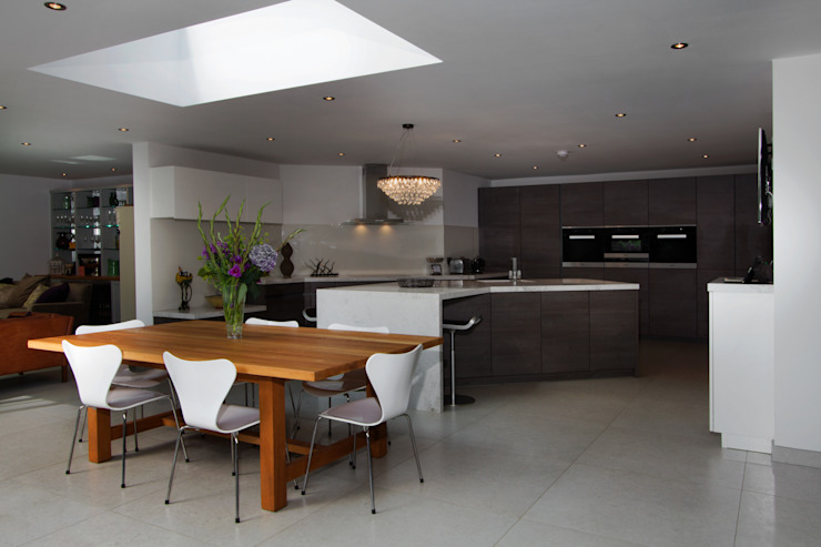 Kitchen Angles Modern kitchen by Elan Kitchens Modern