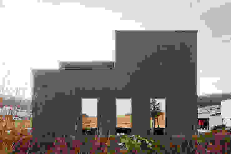 Minimalistyczne domy od f m b architekten - Norman Binder & Andreas-Thomas Mayer Minimalistyczny