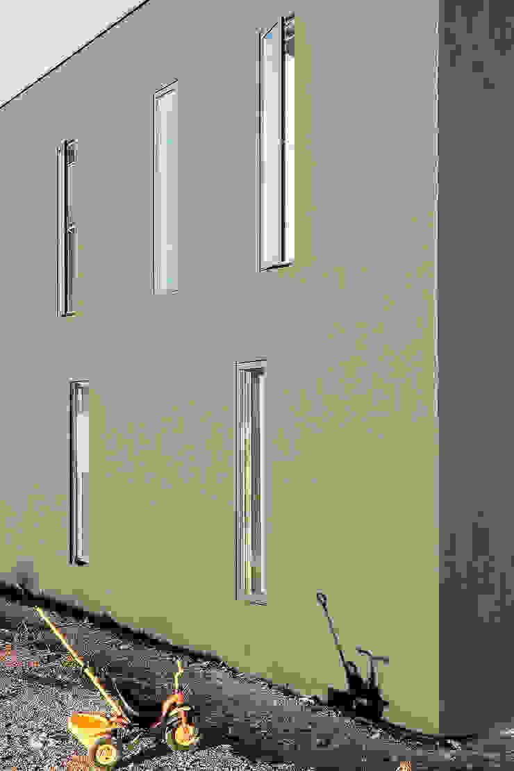 Minimalistyczne okna i drzwi od f m b architekten - Norman Binder & Andreas-Thomas Mayer Minimalistyczny