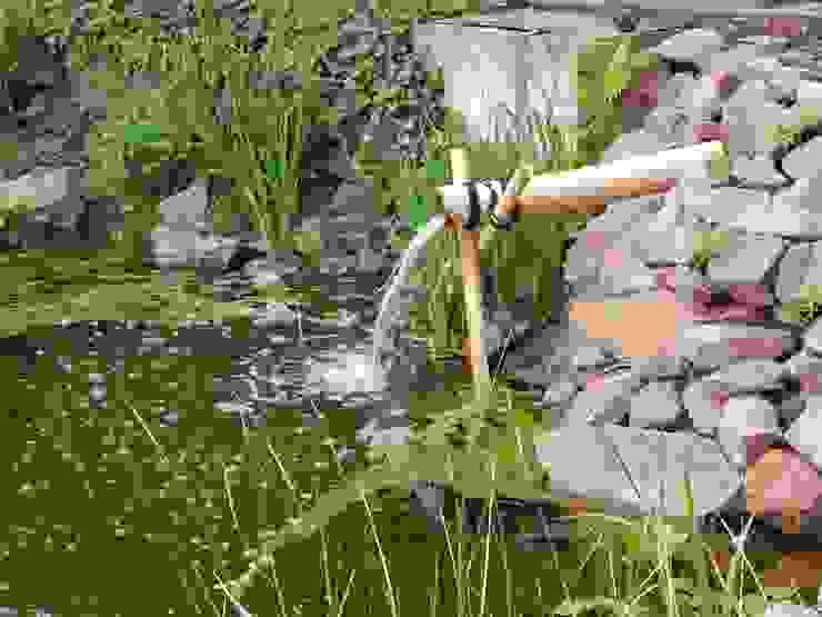 asiatischer Garten mit Teich und Felslandschaft Asiatischer Garten von jwgartendesign Asiatisch