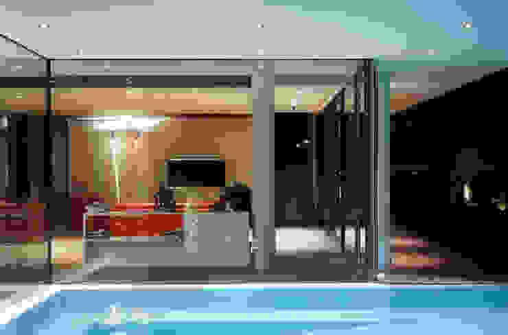 Modern pool by NAT OFFICE - christian gasparini architect Modern