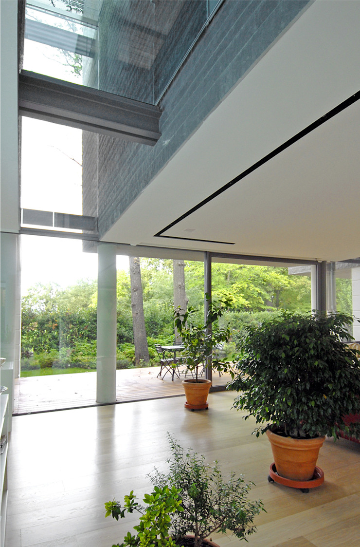 Modern balcony, veranda & terrace by NAT OFFICE - christian gasparini architect Modern