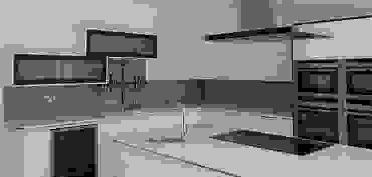 Sandbanks Kitchen Splashback : modern  by The House of Ugly Fish, Modern