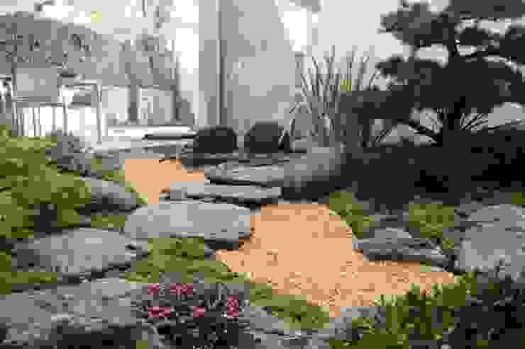 Jardin japones con Niwaki de Jardines Japoneses -- Estudio de Paisajismo Asiático