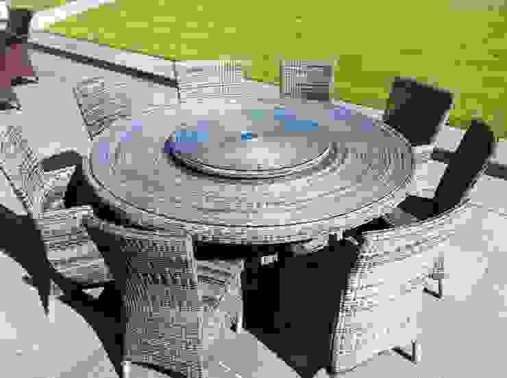 Avery Round Dining Set: modern  by Garden Furniture Centre, Modern