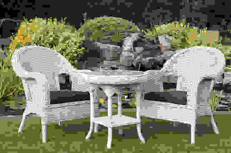 Madrid Bistro Set: modern  by Garden Furniture Centre, Modern