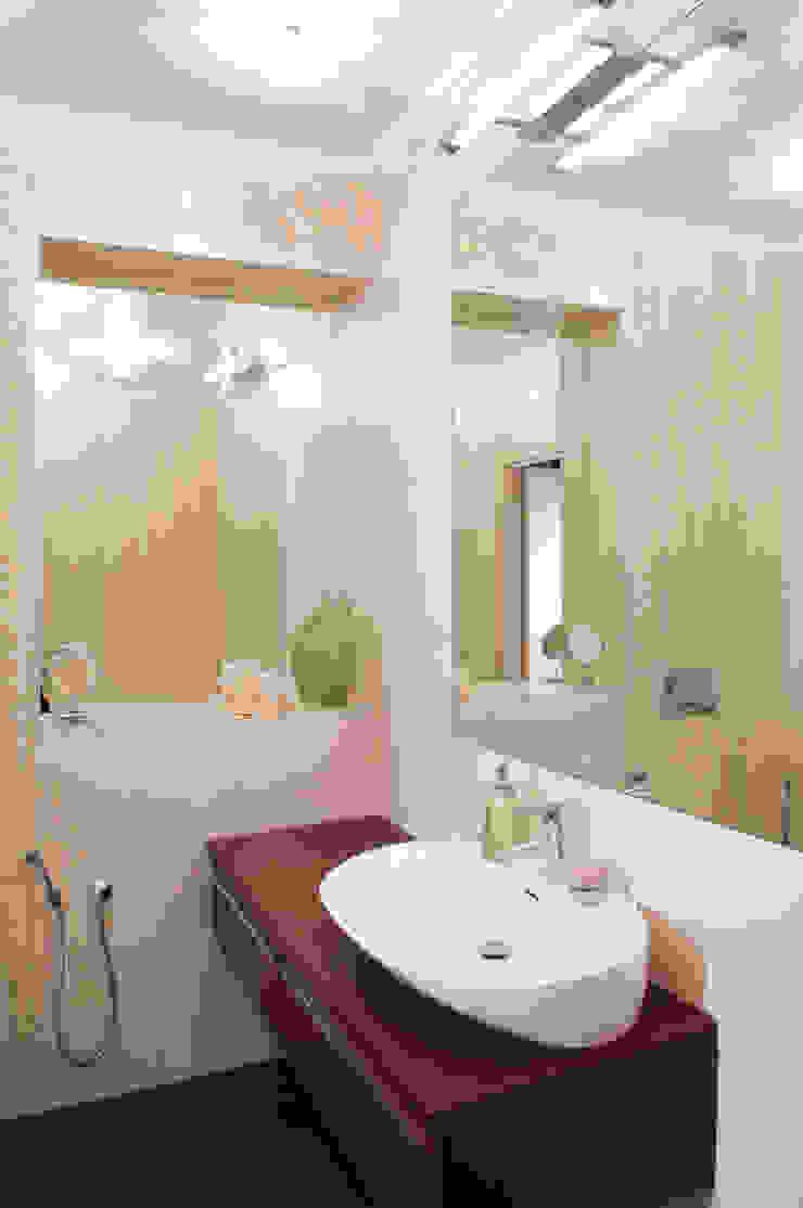 ванная комната Ванная в классическом стиле от LDdesign Классический