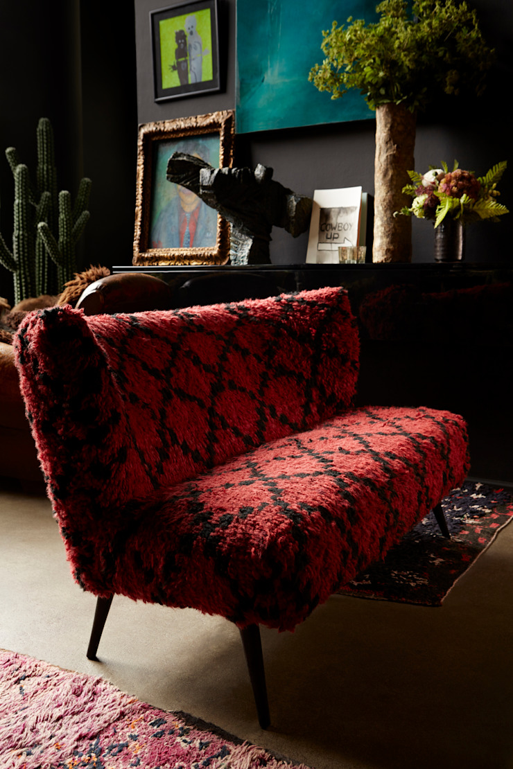 Wild Bill sofa: eclectic  by Abigail Ahern, Eclectic
