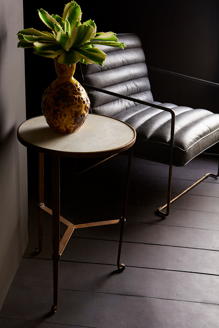 Odessa marble side table: eclectic  by Abigail Ahern, Eclectic