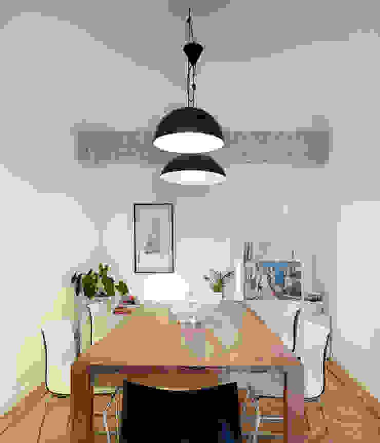 Piso en Vigo Comedores de estilo moderno de Castroferro Arquitectos Moderno