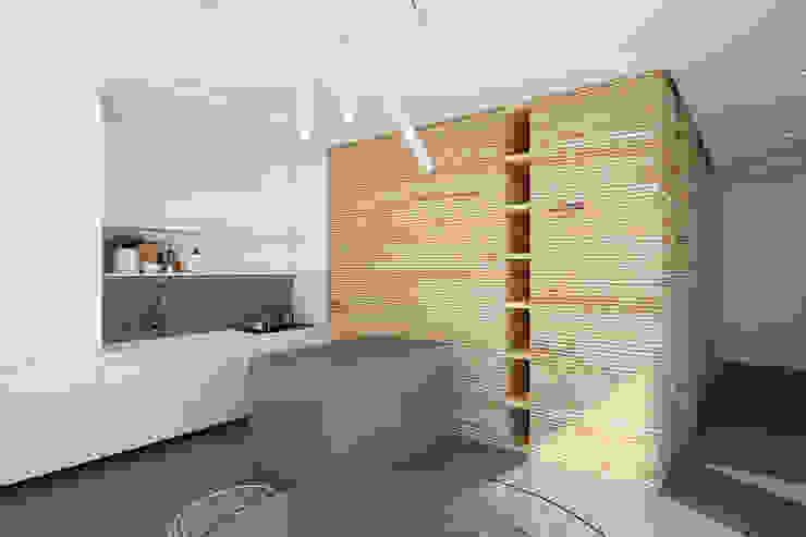 Визуализация кухни в римской квартире Кухня в стиле минимализм от ECOForma Минимализм
