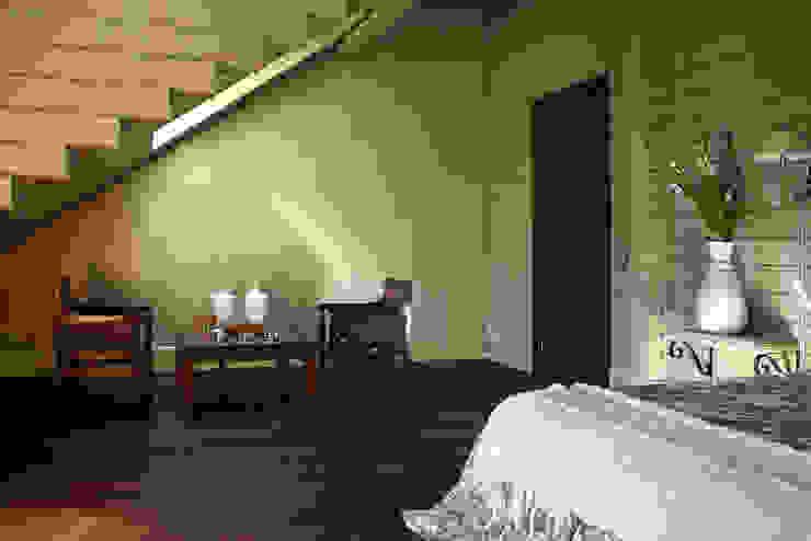 Дом из клееного бруса в Новоглаголево Дизайн бюро Татьяны Алениной Спальня в стиле модерн