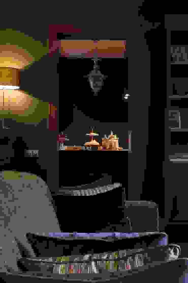 Квартира в Москве в Щемиловском переулке Гостиная в классическом стиле от Дизайн бюро Татьяны Алениной Классический
