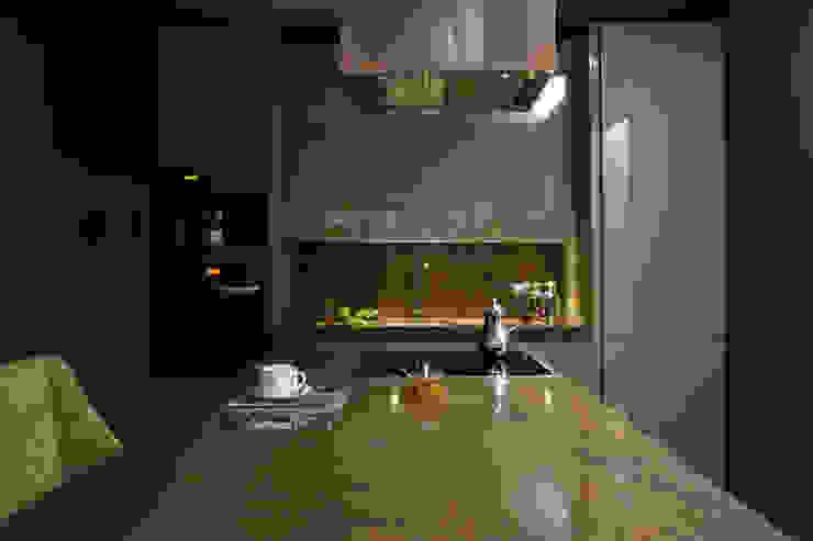 Квартира в Москве в Щемиловском переулке Кухня в классическом стиле от Дизайн бюро Татьяны Алениной Классический