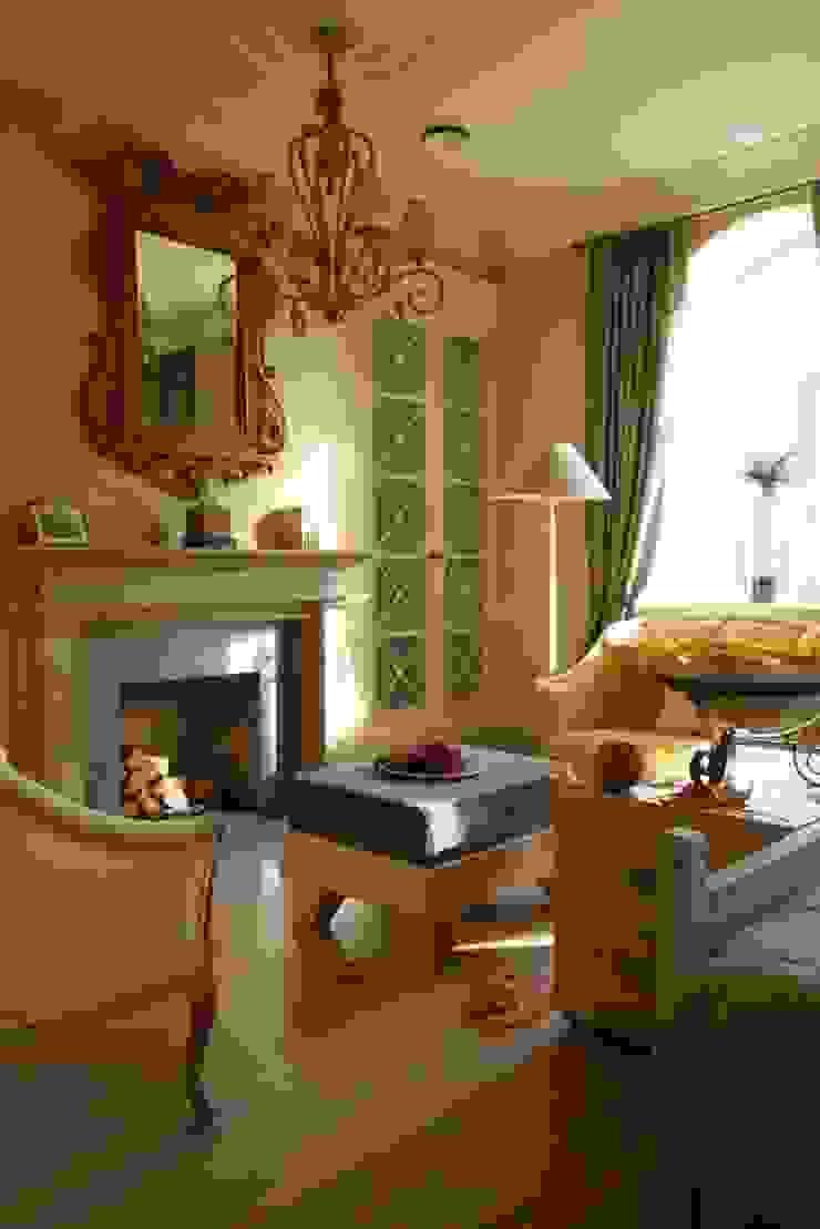 Таунхаус в Москве Спальня в классическом стиле от Дизайн бюро Татьяны Алениной Классический
