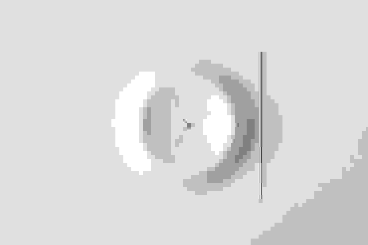 クレータークロック: KENICHIRO OOMORI MOVING DESIGNが手掛けたミニマリストです。,ミニマル