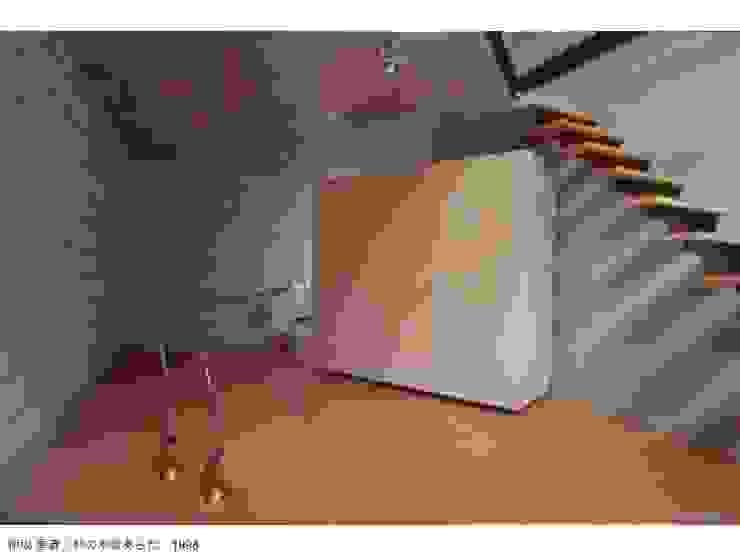 柿の木坂あらた家具: 株式会社 伊坂デザイン工房が手掛けた折衷的なです。,オリジナル