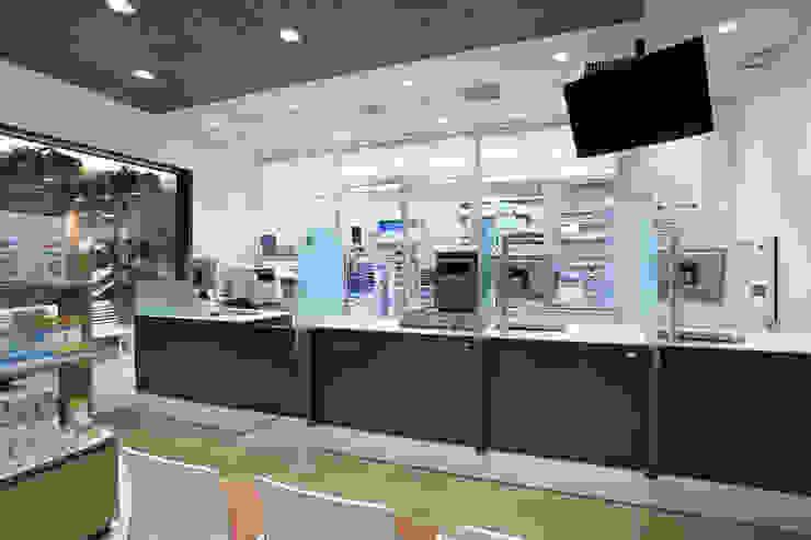 アイン薬局 アトレヴィ東中野店 オリジナルな医療機関 の 株式会社 伊坂デザイン工房 オリジナル