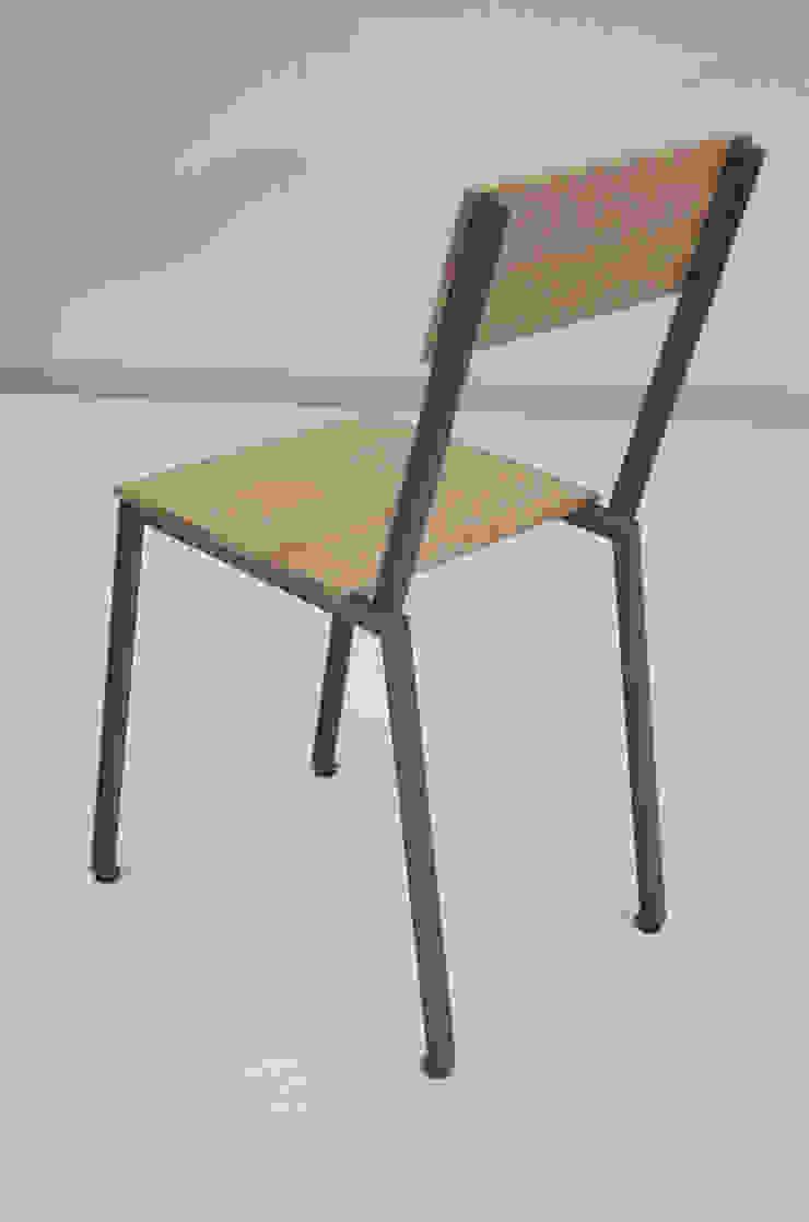 T-stoel: modern  door Firma 400, Modern