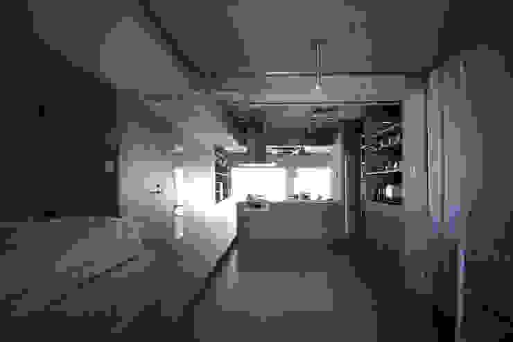 駒場・ROOM・S(KOMABA・ROOM・S) ミニマルデザインの 多目的室 の 吉田裕一建築設計事務所 ミニマル 木 木目調