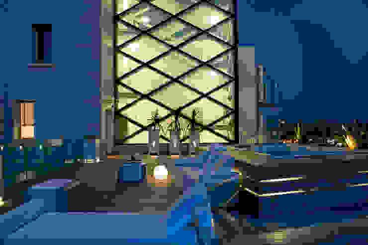 Balcon, Veranda & Terrasse modernes par Studio Architettura Carlo Ceresoli Moderne