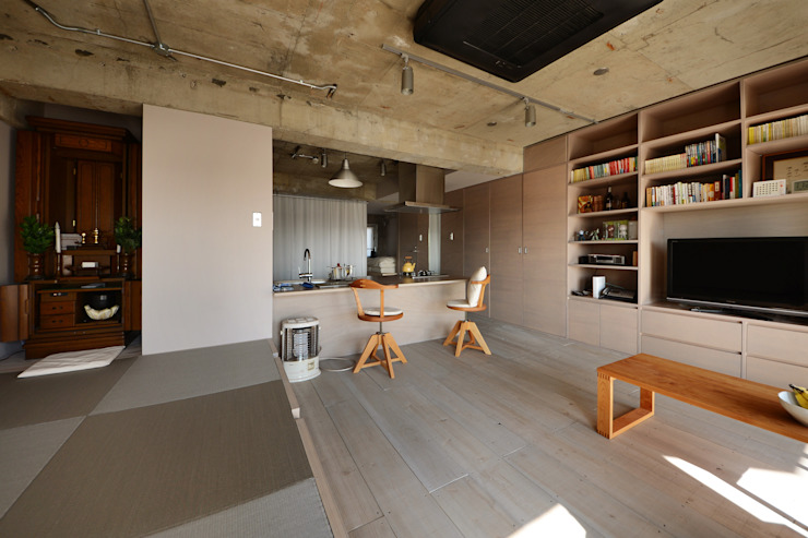 駒場・ROOM・S(KOMABA・ROOM・S) ミニマルデザインの ダイニング の 吉田裕一建築設計事務所 ミニマル 木 木目調