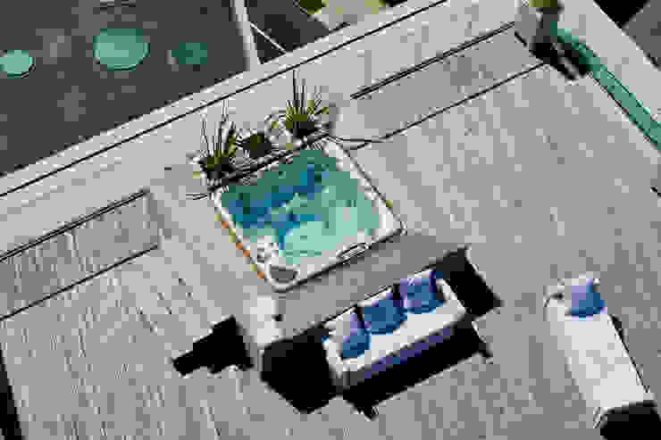 Terrazza vista dall'alto Balcone, Veranda & Terrazza in stile moderno di Studio Architettura Carlo Ceresoli Moderno