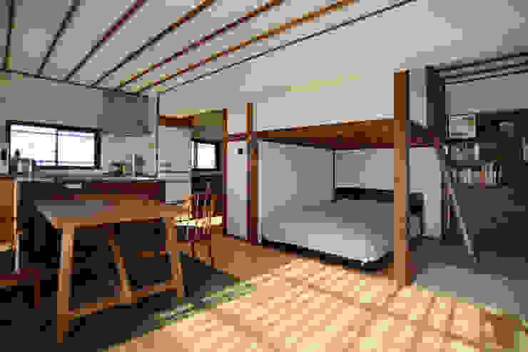御嶽山・ROOM・T(ONTAKESAN・ROOM・T) 和風の 寝室 の 吉田裕一建築設計事務所 和風 木 木目調