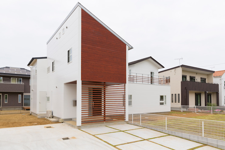 蔵波・HOUSE・T(KURANAMI・HOUSE・T) モダンな 家 の 吉田裕一建築設計事務所 モダン 木 木目調