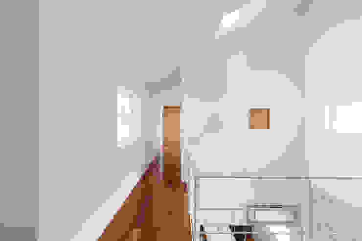 蔵波・HOUSE・T(KURANAMI・HOUSE・T) モダンデザインの 子供部屋 の 吉田裕一建築設計事務所 モダン