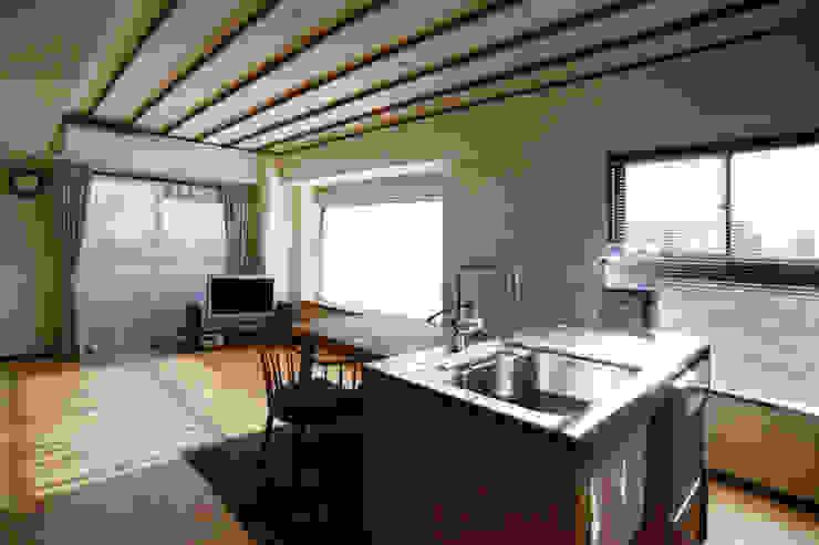御嶽山・ROOM・T(ONTAKESAN・ROOM・T) 和風の キッチン の 吉田裕一建築設計事務所 和風 金属