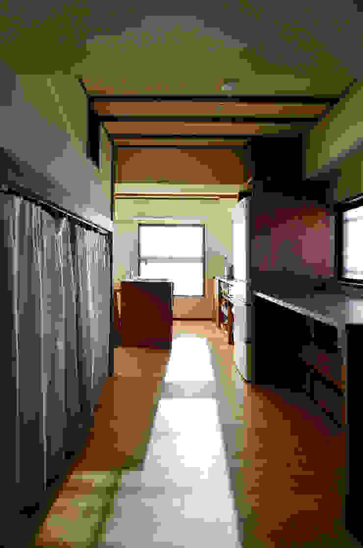 御嶽山・ROOM・T(ONTAKESAN・ROOM・T) 和風デザインの 多目的室 の 吉田裕一建築設計事務所 和風 木 木目調