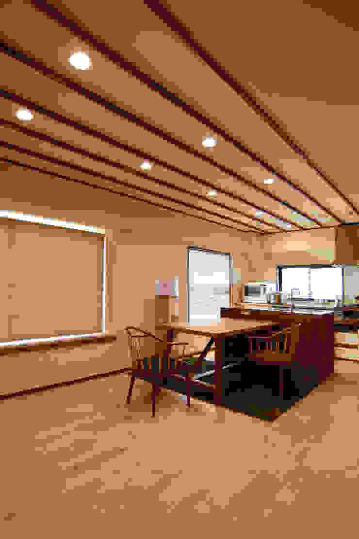 御嶽山・ROOM・T(ONTAKESAN・ROOM・T) 和風デザインの ダイニング の 吉田裕一建築設計事務所 和風 木 木目調