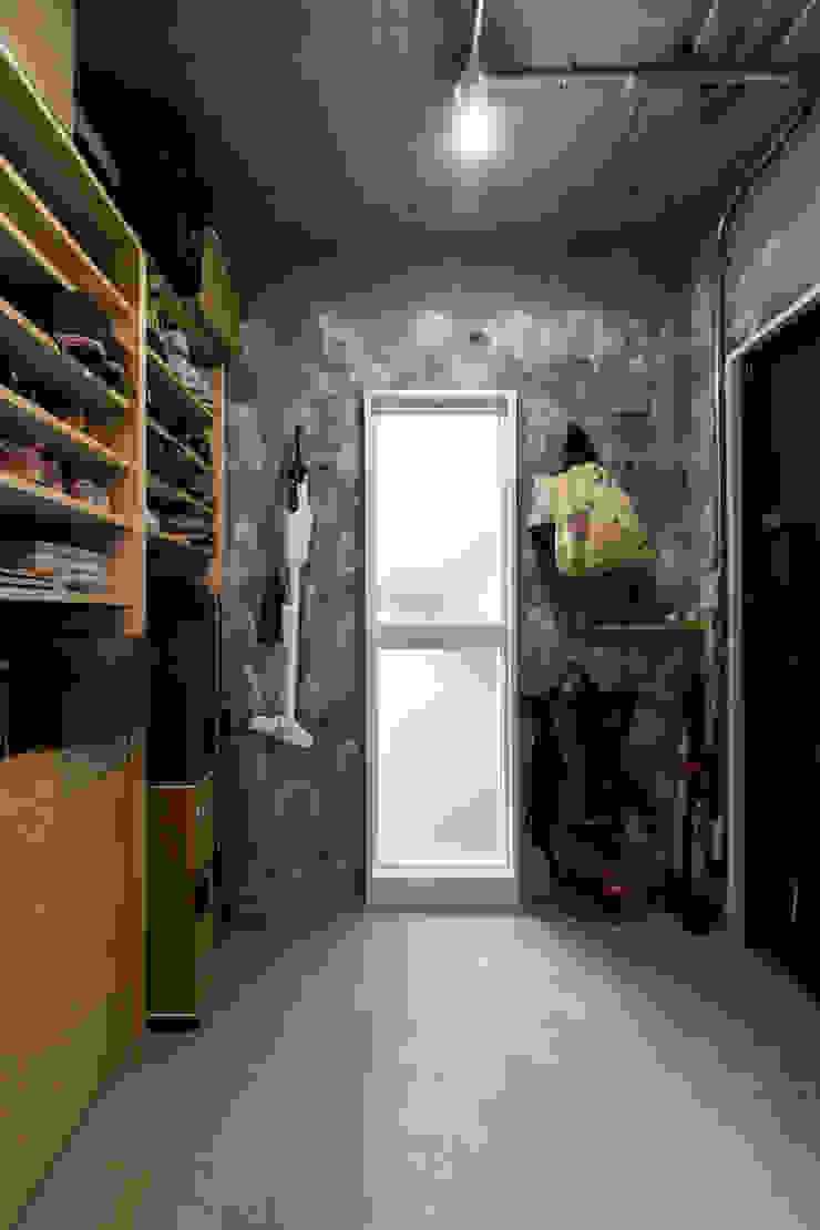 Modern Bathroom by 吉田裕一建築設計事務所 Modern