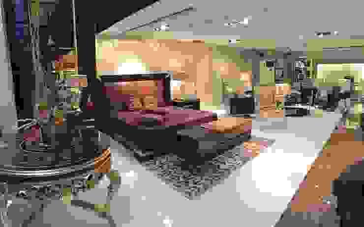 Showroom Dormitorios de estilo moderno de Wing Chair S.A. Moderno