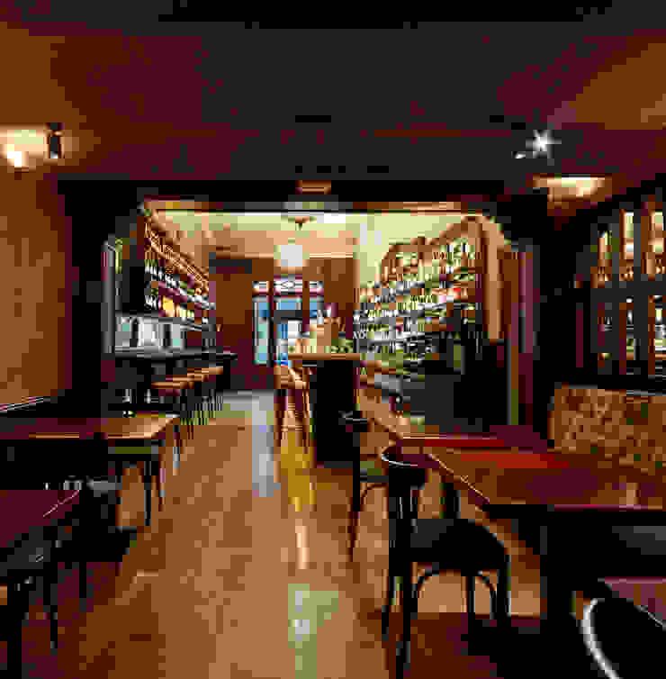 Sala 1 Gastronomía de estilo clásico de Carlos Martinez Interiors Clásico