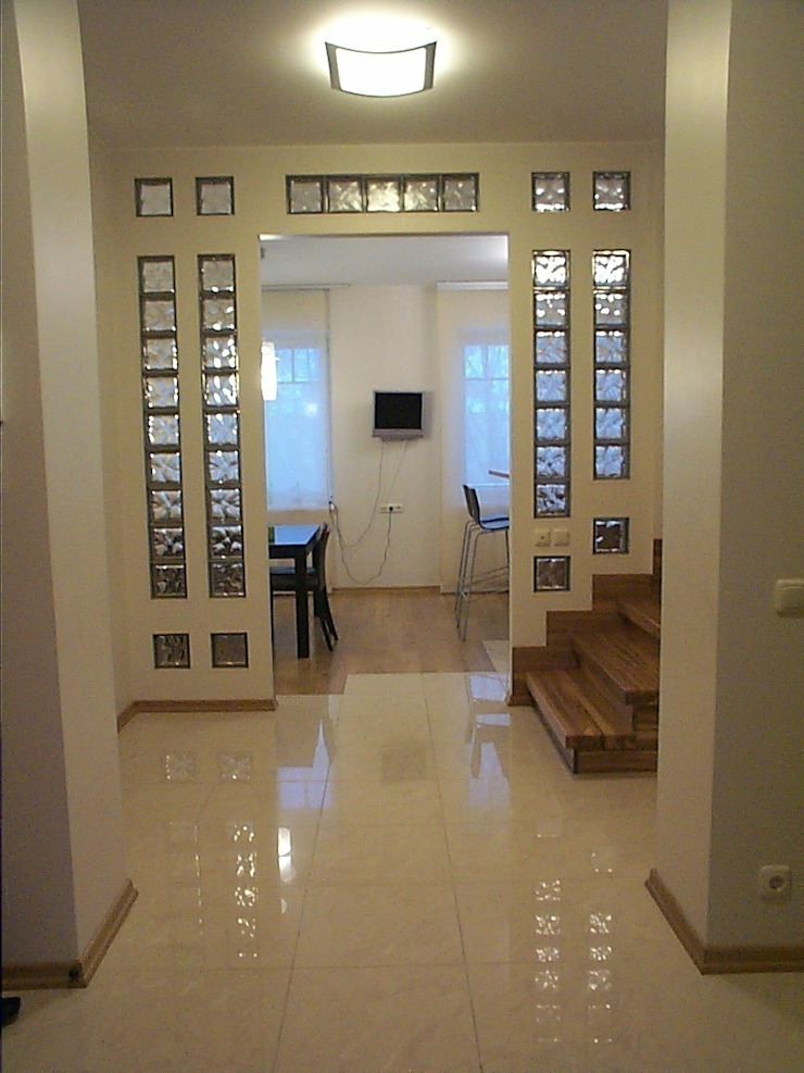 Холл. Коридор, прихожая и лестница в стиле минимализм от KRAUKLIT VALERII Минимализм