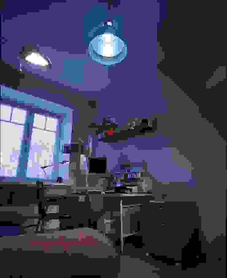 Современный кабинет. Рабочий кабинет в стиле минимализм от KRAUKLIT VALERII Минимализм