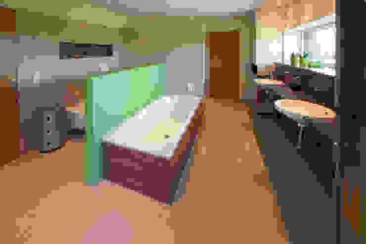 Elternbad Moderne Badezimmer von Knychalla + Team, Architekten, Stadtplaner GmbH Modern