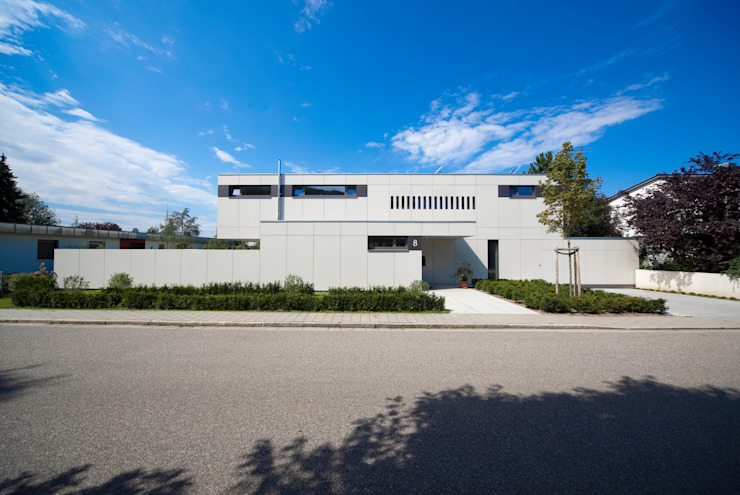 Vorderansicht Moderne Häuser von Knychalla + Team, Architekten, Stadtplaner GmbH Modern