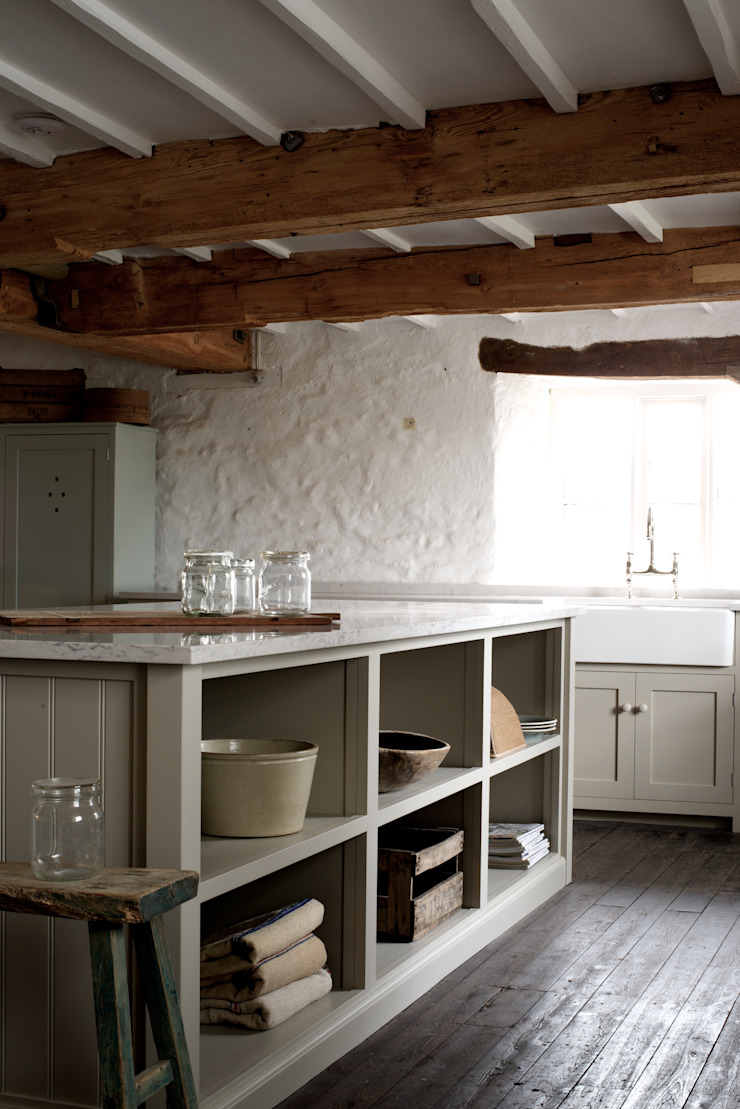 The Cotes Mill Shaker Kitchen Rustic style kitchen by deVOL Kitchens Rustic