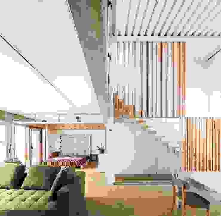Casa Migdia Salones de estilo minimalista de Sau Taller d'Arquitectura Minimalista